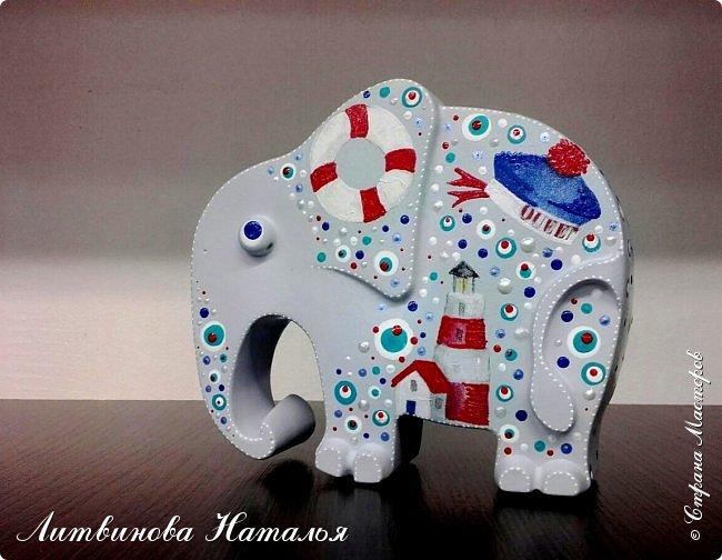 Захотелось мне повторить моего слоняшу-морячка....  Простите, фото на бегу Зацепил меня декупаж на них...... Первый был таким  http://stranamasterov.ru/node/1100044 фото 2