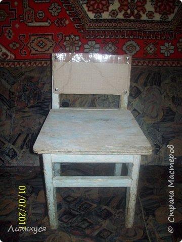 на балконе нашла старый стульчик и решила обновить его фото 5