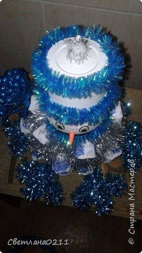 Давно не выставляла свои работы,  творческий  кризис... Для племянницы на конкурс к НГ в школу сделала снеговика.  фото 3