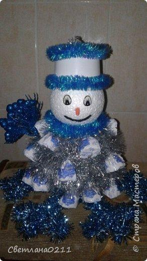 Давно не выставляла свои работы,  творческий  кризис... Для племянницы на конкурс к НГ в школу сделала снеговика.  фото 4