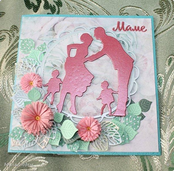 Здравствуйте друзья и соседи! Поздравляю всех мамочек с праздником - Днем матери! Какое счастье мамой быть И жизнь родному крохе подарить! Господь нас счастьем этим наградил Под сердцем женщины Он новое сердечко зародил! А как душа у женщины трепещет, Когда та грудью кормит малыша! Когда поет ему укачивая, чуть дыша! Когда услышит слово МАМА первый раз! Ведь это все для нас лишь милые, Для нас!!! Когда та кроха сделает свой первый шаг, Когда пойдет сынишка, дочка в первый класс! Когда Иконой будет Мир семьи благословлять! Когда вестей из армии от сына будет ждать! Я поздравляю женщин-матерей С наградой Господа - Жизнь подарить, растить своих детей! И мамам всем хочу я пожелать Чтоб только радость от детей Вам получать! Гордиться сыном, дочкою своей! И мой призыв ко всем: Прошу Вас - берегите МАТЕРЕЙ!!! (искала автора, на разных сайтах без автора)  фото 3