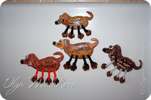 Здравствуйте! Показываю своих собак из соленого теста. Магниты, подкова и панно. Скоро будут еще готовы. Дополню. фото 1