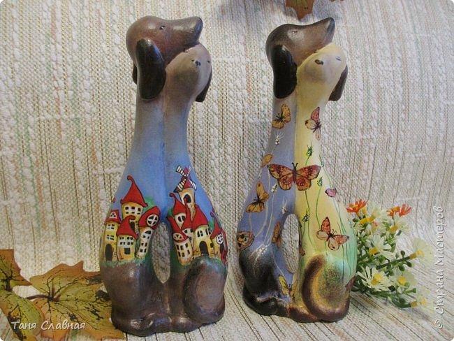 Показываю три работы, и все они - так получилось - полны нежности: две пары влюбленных собачек и влюбленные же совы. Показываю по порядку. фото 1