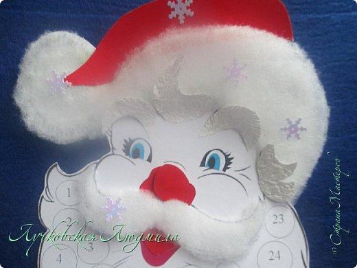 Года 2 назад  увидела календарь с днями ожидания Нового года. И каждый раз забывала сделать. А тут и ребенок такого возраста, когда уже понимает, и чтобы было легче считать и более наглядно, решила сделать, хотя еще вопрос кто больше ждет, ребенок или взрослый. Идея с дедом морозом не моя, а вот снеговика (может и они есть, но я не встретила) моя задумка. Так что если Вам интересно, предлагаю МК как я их делала. фото 12