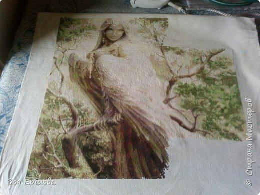 Хочу представить мой любимый долгострой ) Я вышиваю эту работу уже 6 лет... Картинку нашла на просторах инета, не знаю имя художника, но она мне очень понравилась. Схема сделана мной.К этой работе я периодически возвращаюсь и она медленно, но верно прирастает все новыми кусками фото 1