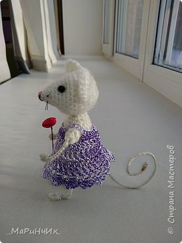 Мышка, связана по МК Елены Никитиной. Размер игрушки 7 см. фото 3