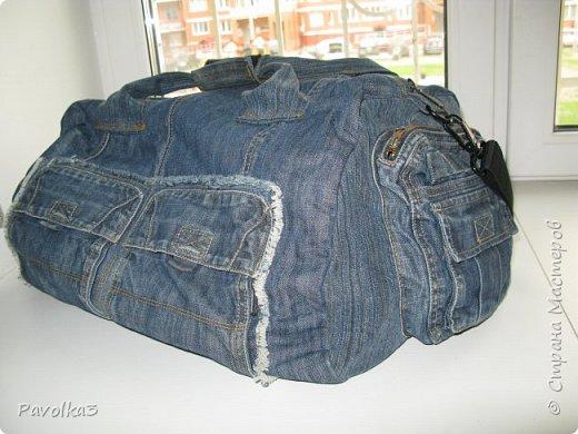 Купили икеевский страшненький диван в комнату ребёнку, со временем хочу сделать ее в джинсовой тематике, пока только начало фото 13