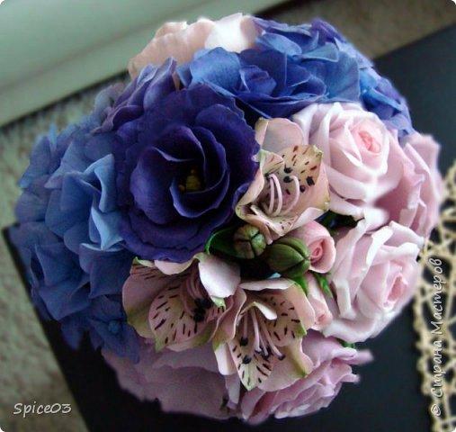 Цветочный букетик из полимерной глины, сделан на заказ. Составлен из гортензий, альстромерий, эустом, роз и одной английской розы. фото 2