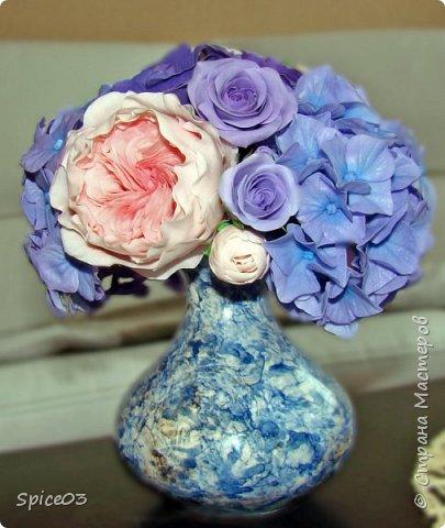 Цветочный букетик из полимерной глины, сделан на заказ. Составлен из гортензий, альстромерий, эустом, роз и одной английской розы. фото 3