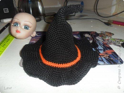 пошили костюмчик ведьмочки, связали шляпу и устроили фотосессию не большую. вообще фото был сделано 31 октября.как то руки не доходили выложить) фото 6
