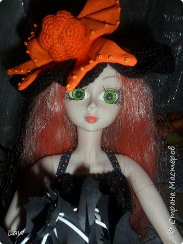 пошили костюмчик ведьмочки, связали шляпу и устроили фотосессию не большую. вообще фото был сделано 31 октября.как то руки не доходили выложить) фото 3