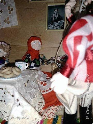 """Румбокс был сделан для участия в православном конкурсе - """" Пасхальное яйцо """". Картина с подсветкой. Дрова в печке """"горят"""", от икон исходит свечение. фото 7"""
