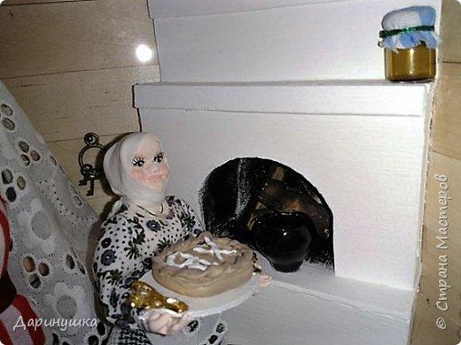 """Румбокс был сделан для участия в православном конкурсе - """" Пасхальное яйцо """". Картина с подсветкой. Дрова в печке """"горят"""", от икон исходит свечение. фото 2"""