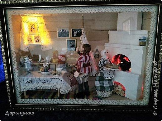 """Румбокс был сделан для участия в православном конкурсе - """" Пасхальное яйцо """". Картина с подсветкой. Дрова в печке """"горят"""", от икон исходит свечение. фото 11"""