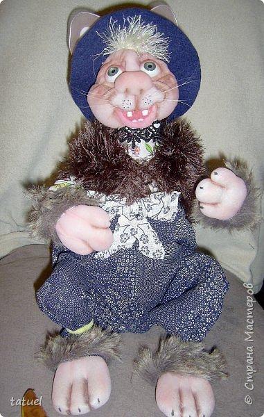 Всем привет! Посмотрите, какой замечательный кот получился сам собою. Это потому, что начала шить бабушку, а вышла звериная морда.  Пришлось дальше фантазировать уже в этом направлении.  Результат вышел просто чудесный! фото 9