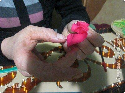 подобное панно я делала уже не раз,обычно в рамке,и все оказываются кому то подаренные,в этот раз на спиле . и вот решила показать как делается этот симпатичный цветок и пёстрый листик. фото 13
