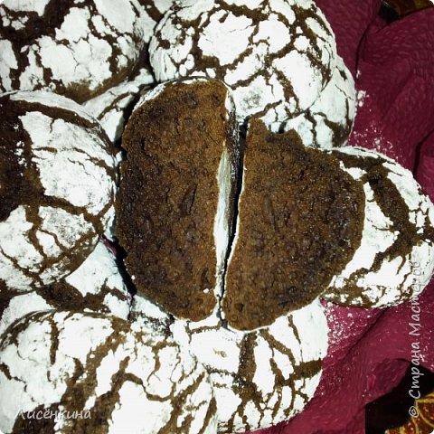 Добрый день. Сегодня хочу показать вам очень красивое и вкусное печенье. Минимум ингредиентов и максимум вкуса. Делается быстро и просто. Ваши гости равнодушными не останутся, этим печеньем можно удивить кого угодно))) фото 14