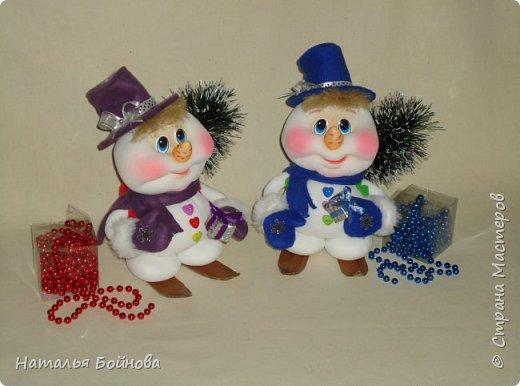 Весёлые Снеговики с подарками фото 4