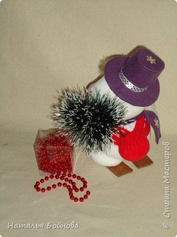 Весёлые Снеговики с подарками фото 3