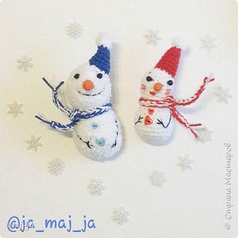 Снеговик и снеговичка-по одному описанию, а разные!