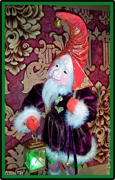 """Доброе утро, а может день или вечер...!!!!!!!!!! Дорогие друзья хотела поделиться с вами своей новой работой """" Рождественский гном"""" Времени совсем не остаётся на творчество, но иногда (когда уж совсем наступает тоска по куклам) всё же сажусь и занимаюсь своим любимым делом, как отдушина для души...  фото 5"""