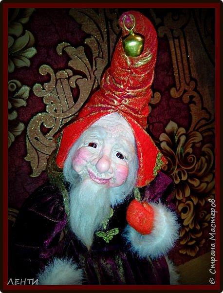 """Доброе утро, а может день или вечер...!!!!!!!!!! Дорогие друзья хотела поделиться с вами своей новой работой """" Рождественский гном"""" Времени совсем не остаётся на творчество, но иногда (когда уж совсем наступает тоска по куклам) всё же сажусь и занимаюсь своим любимым делом, как отдушина для души...  фото 1"""