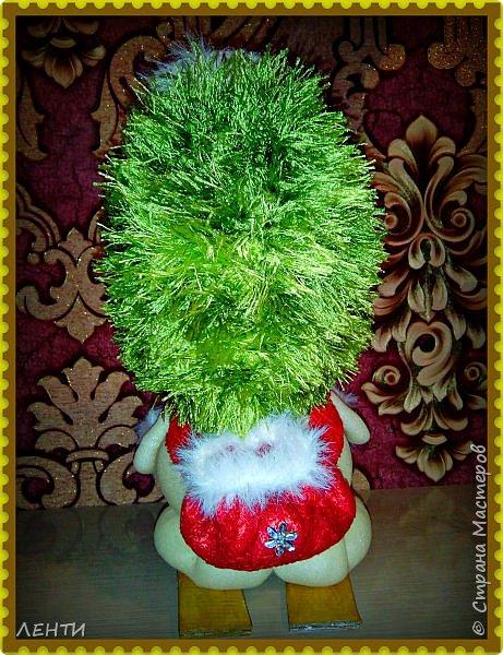 К новому году начинаешь готовится заранее. Это мой самый любимый праздник!!!!!!!! И мне захотелось сделать что то тёплое, мягкое и мультяшное. Вот так вот и родились мои Ёлочка и Снеговушечка )))  фото 12