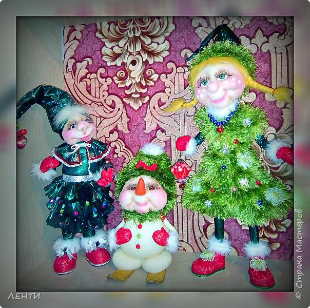 К новому году начинаешь готовится заранее. Это мой самый любимый праздник!!!!!!!! И мне захотелось сделать что то тёплое, мягкое и мультяшное. Вот так вот и родились мои Ёлочка и Снеговушечка )))  фото 8