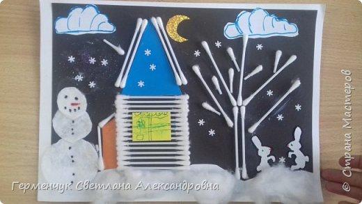 """Сегодня с ребятами 3 """"А"""" класса сделали аппликацию """" Зайкина избушка""""  из .ватных палочек .Как только закончили  работу,  пошел сильный снежок!!!   И ребята прокомментировали: """" Это Зимушка - зима обрадовалась ,что мы ее ждем  и  отправила снежинки на Землю!"""" Все вокруг стало белым-бело нарядным,чистым  !!! И ребятишки после уроков быстрее побежали   на площадку  -играть в снежки. фото 16"""