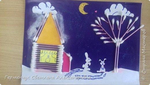 """Сегодня с ребятами 3 """"А"""" класса сделали аппликацию """" Зайкина избушка""""  из .ватных палочек .Как только закончили  работу,  пошел сильный снежок!!!   И ребята прокомментировали: """" Это Зимушка - зима обрадовалась ,что мы ее ждем  и  отправила снежинки на Землю!"""" Все вокруг стало белым-бело нарядным,чистым  !!! И ребятишки после уроков быстрее побежали   на площадку  -играть в снежки. фото 10"""