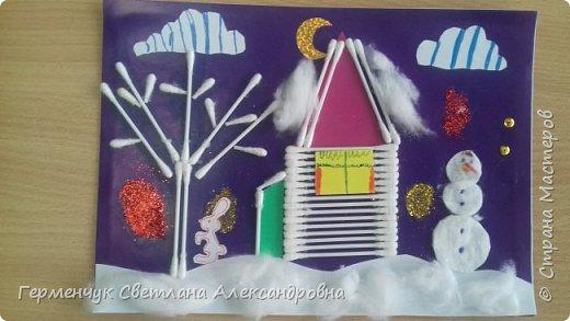 """Сегодня с ребятами 3 """"А"""" класса сделали аппликацию """" Зайкина избушка""""  из .ватных палочек .Как только закончили  работу,  пошел сильный снежок!!!   И ребята прокомментировали: """" Это Зимушка - зима обрадовалась ,что мы ее ждем  и  отправила снежинки на Землю!"""" Все вокруг стало белым-бело нарядным,чистым  !!! И ребятишки после уроков быстрее побежали   на площадку  -играть в снежки. фото 2"""