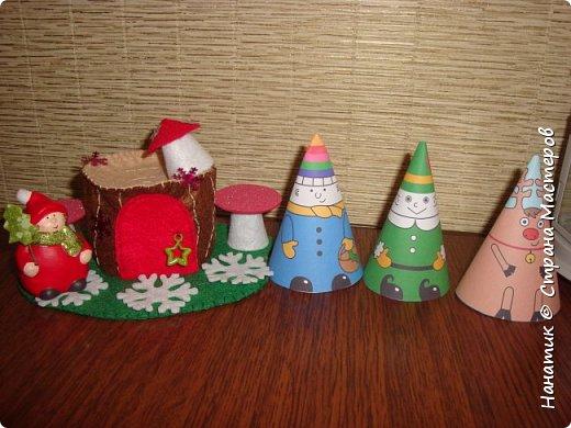 Доброй ночи! Хочу поделиться с вами, как у нас ожидается приближение Нового Года).  Огромное спасибо Наталье Власовой за это чудо!!!    http://pochemu4ka.ru/load/zima_novyj_god/kalendar_ozhidanija_advent_kalendar/kalendar_ozhidanija_novogo_goda/503-1-0-1251  фото 25
