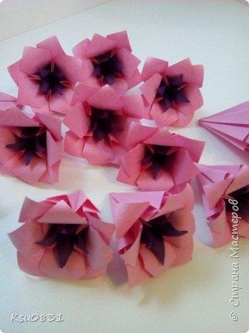 Основа ложная Электра 4х4, цветы розовый квадрат 8х8 середина 5х5, листья 7х7 фото 3