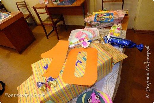 """С днём рождения Страна Мастеров!!! Мы с дочкой Юлей ходим в объединение """"Волшебные ладошки"""" под руководством Машковцевой Татьяны Геннадьевны. Узнав о конкурсе, она тоже решила участвовать со своим объединением, был организован праздник к дню Матери и параллельно к вашему десятилетию, нас к сожалению не было, Юля болела. фото 2"""