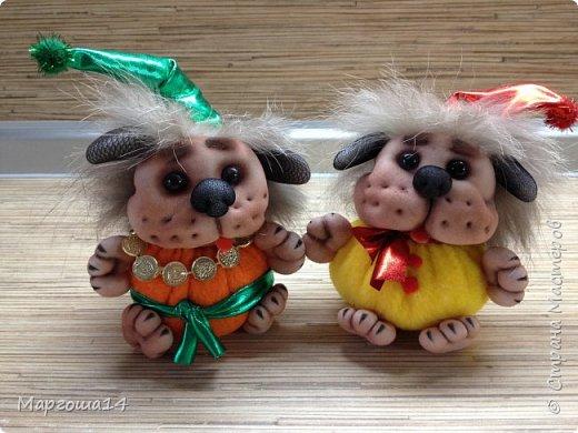 Привет,Страна Мастеров!!! Продолжаю шить маленьких собачек (рост 10 - 11 см) на подарочки. Этих первых двух сшила и сразу подарила.Людям радость,а мне приятно. фото 3