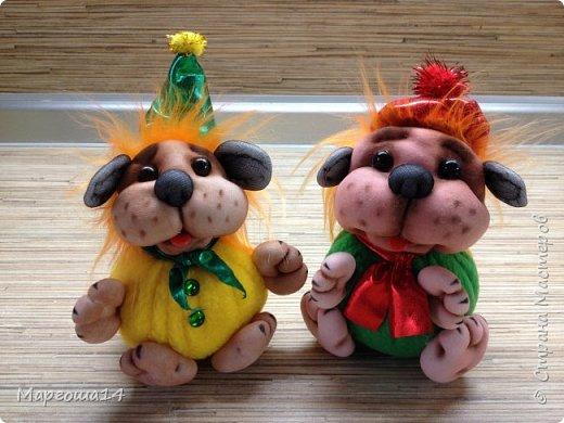 Привет,Страна Мастеров!!! Продолжаю шить маленьких собачек (рост 10 - 11 см) на подарочки. Этих первых двух сшила и сразу подарила.Людям радость,а мне приятно. фото 5