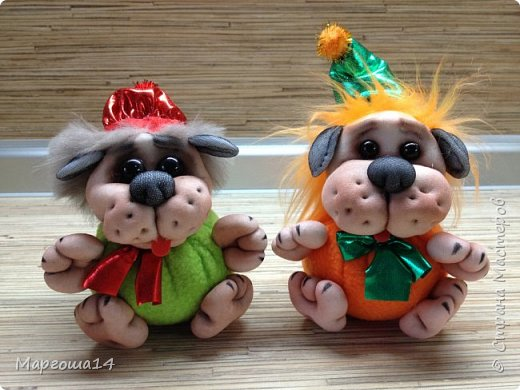 Привет,Страна Мастеров!!! Продолжаю шить маленьких собачек (рост 10 - 11 см) на подарочки. Этих первых двух сшила и сразу подарила.Людям радость,а мне приятно. фото 6