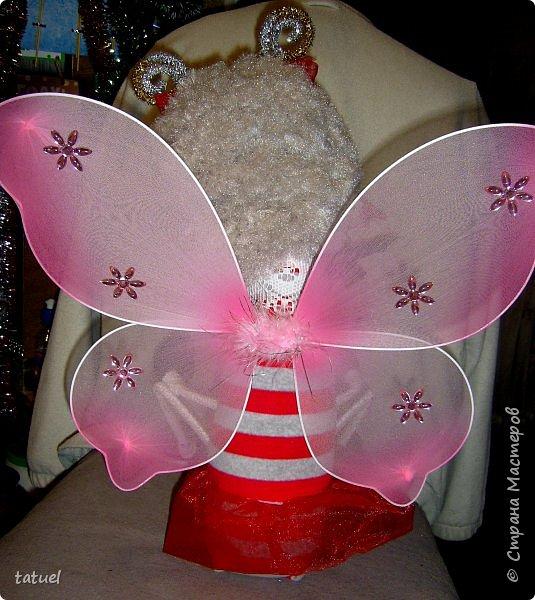 Всем привет! Хоть сейчас и не сезон бабочек, но коль сшила, то надо показать и пусть она летит дальше! Я ее сшила , наверное, в октябре- но время ее фотосессии  наступило только на пороге зимы.  К тому же нашлась (сшилась) ей подруга- маленькая бабочка-коробочка.  фото 6