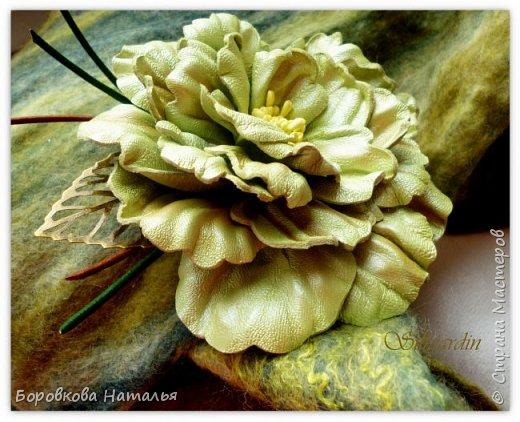 Цветы из кожи фото 6