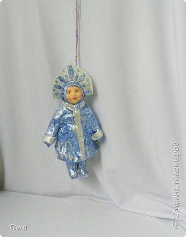 Елочная игрушка -Снегурочка.   (папье-маше,полимерная глина,краски,лак.)