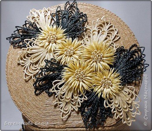 """И снова мой вам привет))Продолжаю свою серию больших """"цветочных"""" шкатулок.На повестке дня хризантемы из шпагата. фото 11"""