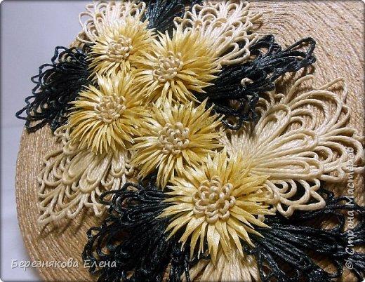 """И снова мой вам привет))Продолжаю свою серию больших """"цветочных"""" шкатулок.На повестке дня хризантемы из шпагата. фото 10"""