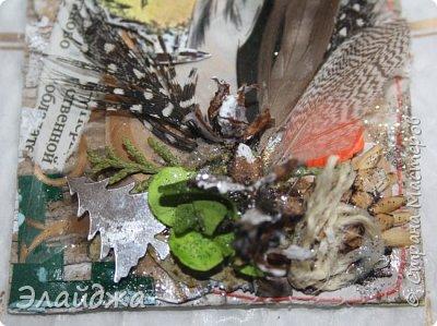 """Привет Всем! Новый год полным ходом идет по Стране Мастеров, вот и у меня  сложились такие   АТСки  серия """"Птички""""  тема """"В ожидании зимы"""". У многих  уже снег за окном, а мы его еще ожидаем. Вот такие милые пучеглазики высматривают приближение зимы.  Карточки сделаны  из остатков разных бумажек, газет, картона, разные перышки,кружево,  веточки, сухоцветы, маленькие шишечки от туи. (Это девочки я стол убирала перед покрытием лаком своих игрушек ватных. Вот насобирала материалов ... аж на новую серию....Мой Хомяк не позволяет выбросить в мусор  остатки ..все в дело! А цветочек зеленый нашла всего один...разпотрошила его и  все-всем карточкам хватило! фото 9"""