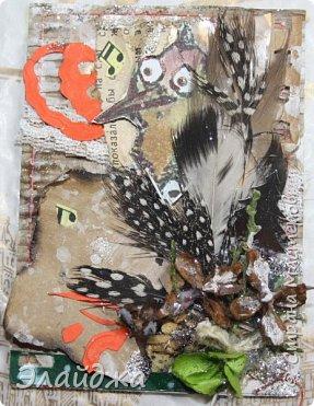 """Привет Всем! Новый год полным ходом идет по Стране Мастеров, вот и у меня  сложились такие   АТСки  серия """"Птички""""  тема """"В ожидании зимы"""". У многих  уже снег за окном, а мы его еще ожидаем. Вот такие милые пучеглазики высматривают приближение зимы.  Карточки сделаны  из остатков разных бумажек, газет, картона, разные перышки,кружево,  веточки, сухоцветы, маленькие шишечки от туи. (Это девочки я стол убирала перед покрытием лаком своих игрушек ватных. Вот насобирала материалов ... аж на новую серию....Мой Хомяк не позволяет выбросить в мусор  остатки ..все в дело! А цветочек зеленый нашла всего один...разпотрошила его и  все-всем карточкам хватило! фото 14"""