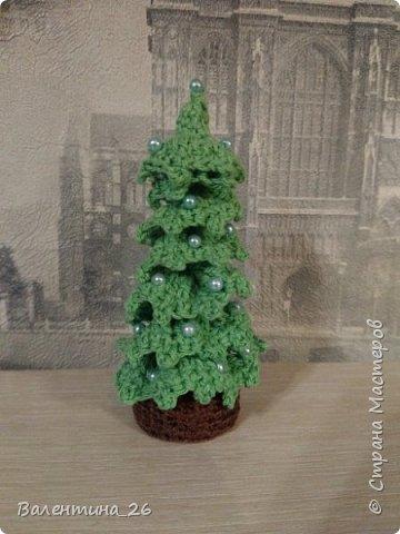 Каждый год хочется новых праздничных украшений! Решила связать елку. Поэкспериментировала со спиралькой.  фото 31