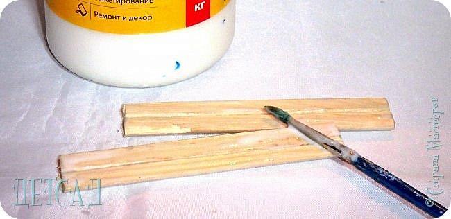 """Посмотрите, какие интересные экспонаты представлены в нашем музее:  Составной карандаш """"Шарики - смайлики"""" Карандаш состоит из отдельных шариков, который скрепляется в единое целое. Каждый шарик-смайлик это маленький карандашик, который отлично выполняет свои функции, пишет, не ломается, хорошо стирается.   фото 26"""