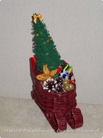 Чудные сани едут сами! В них елки и подарки для моих друзей. фото 2