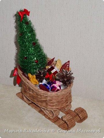 Чудные сани едут сами! В них елки и подарки для моих друзей. фото 1