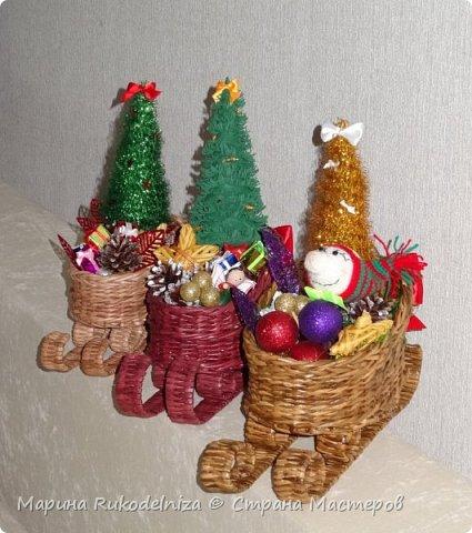 Чудные сани едут сами! В них елки и подарки для моих друзей. фото 4