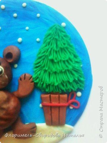 Все медведи спят зимой, Но не спит лишь мишка мой. Будет ёлку наряжать, С нами праздник отмечать. фото 8
